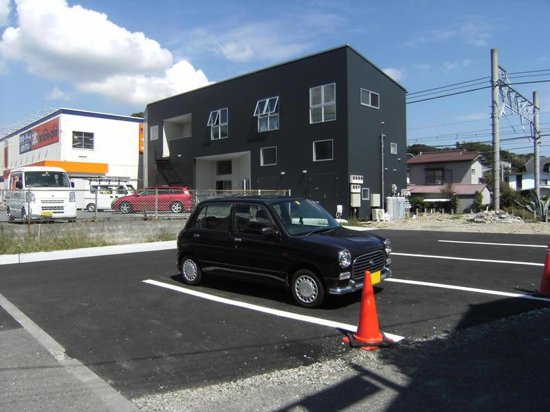 逗子 集合住宅の駐車場のアスファルト工事