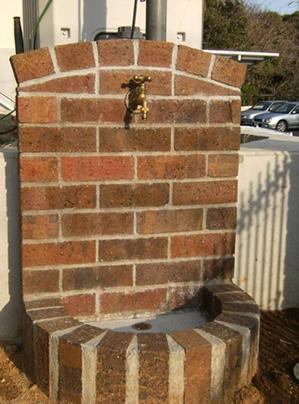 余ったレンガで立すい栓を造作